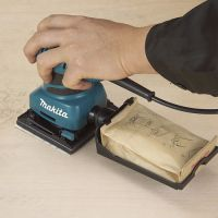 Виброшлайф за една ръка Makita BO4555 / 200 W , 112x100 mm /